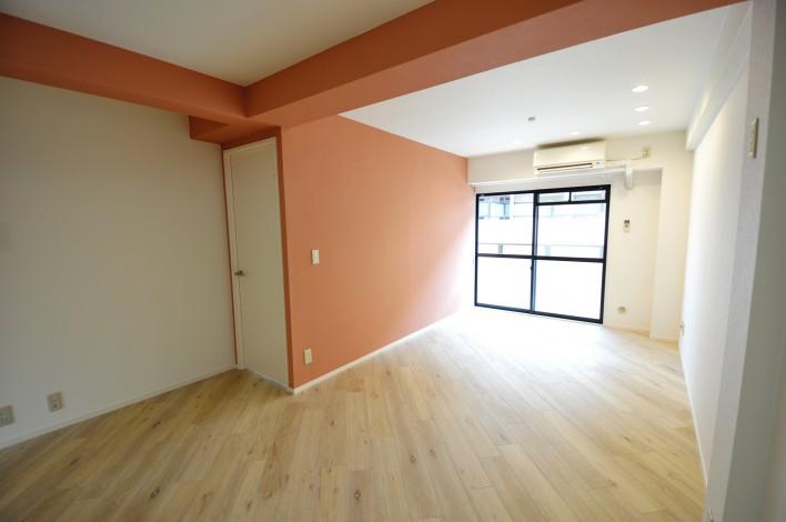 ハピネス飯田5号館 202号室のリビング