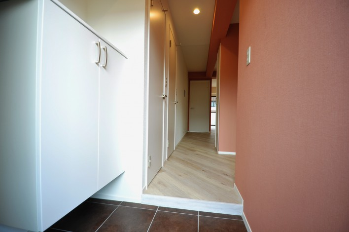 ハピネス飯田5号館 202号室の玄関