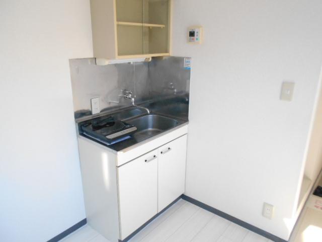 ガーデンハイム1 103号室のキッチン