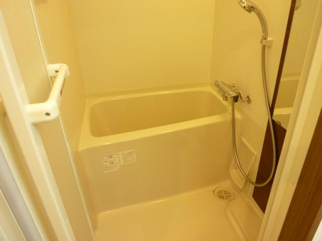スリーアローズ馬込 101号室の風呂