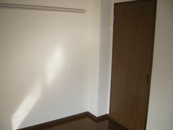 コスモハイツ極楽 205号室のリビング