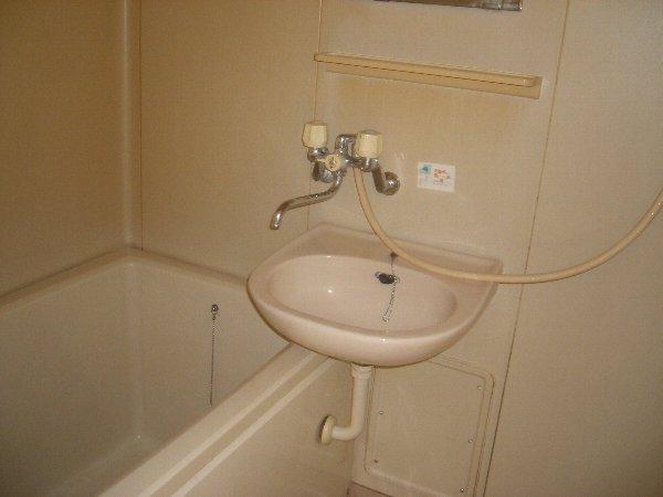 コスモハイツ極楽 205号室の風呂