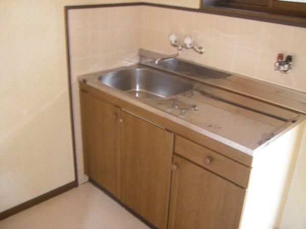 コスモハイツ極楽 205号室のキッチン