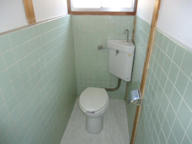 平和ヶ丘借家のトイレ
