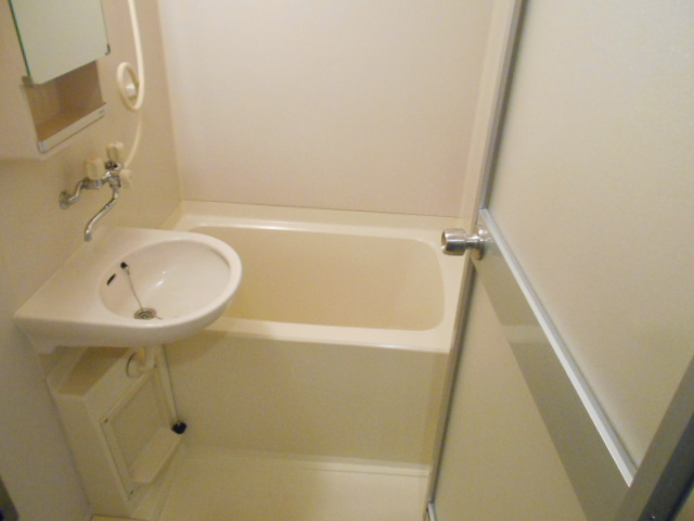 Mクワトロ 105号室の風呂