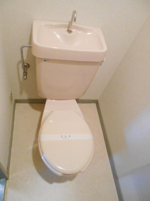 Mクワトロ 105号室のトイレ