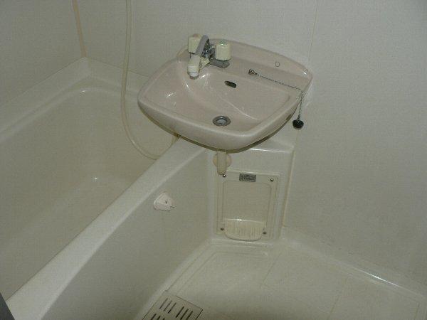 パセオ神里 2B号室の風呂