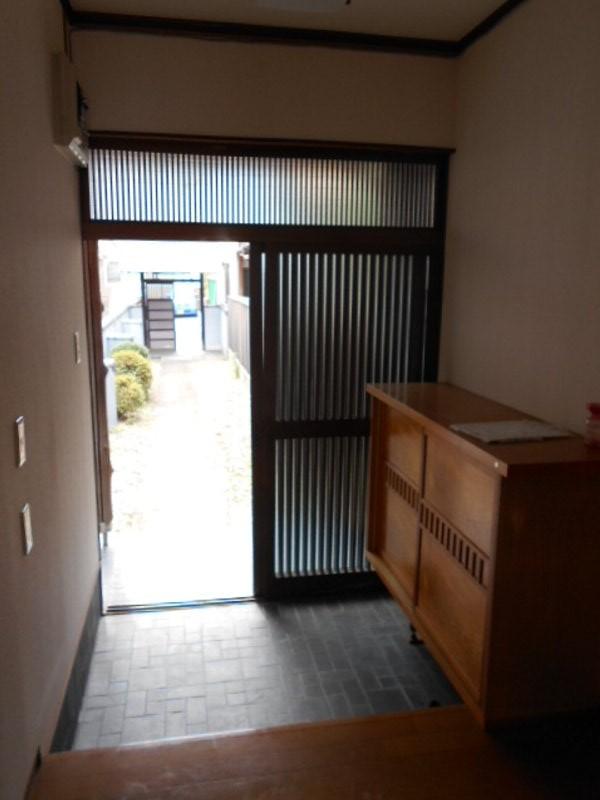 坂本貸家の玄関