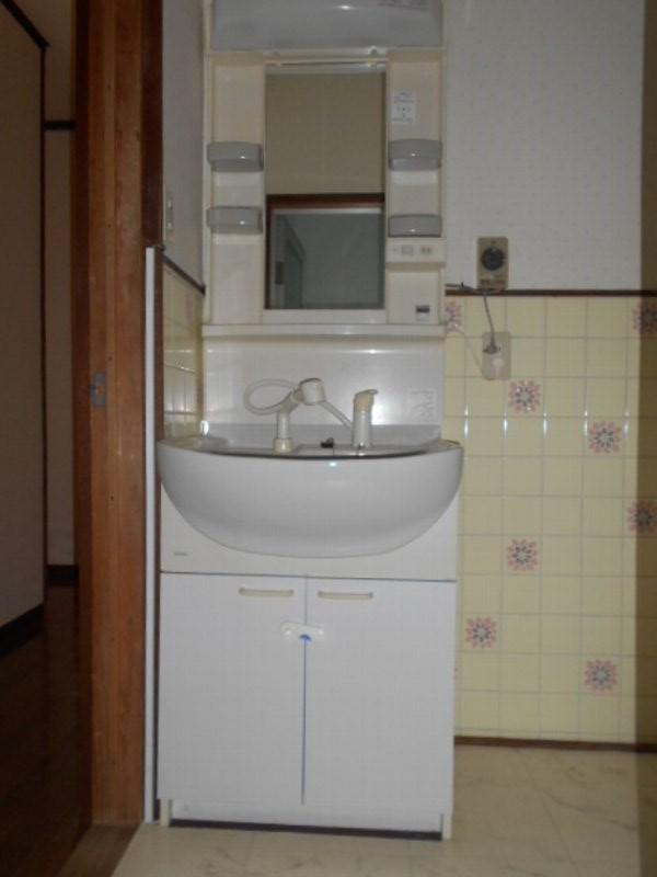 坂本貸家の洗面所