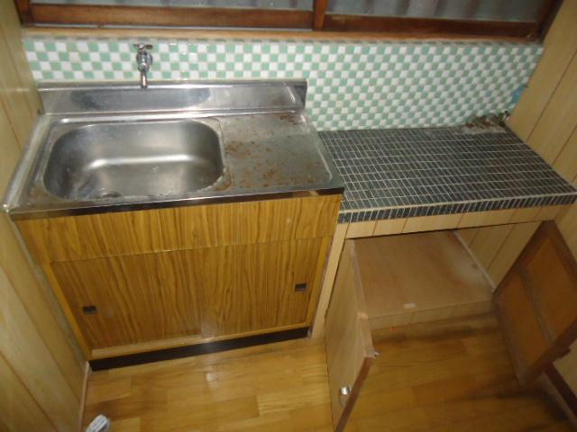本山アパート 202号室のキッチン