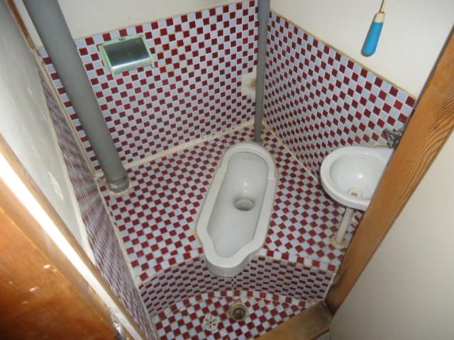 本山アパート 202号室のトイレ