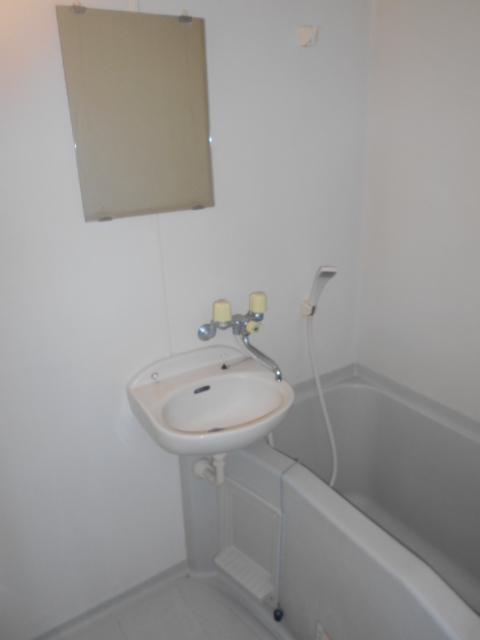 ティーエムズ香坂 204号室の風呂