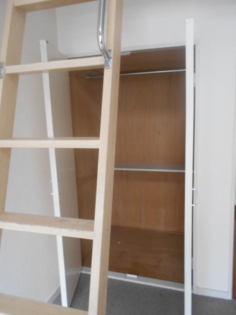 ティーエムズ香坂 204号室の収納
