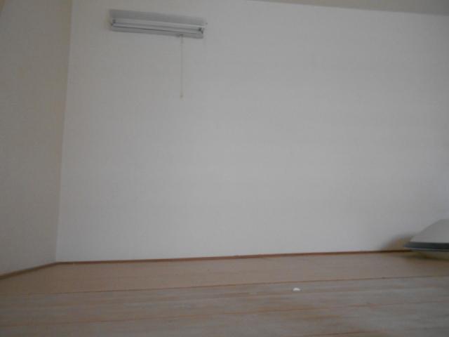 ティーエムズ香坂 204号室のベッドルーム