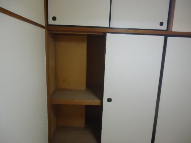 ハイネス本郷 103号室の収納