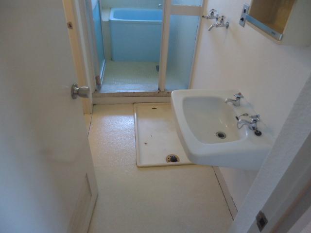 ハイネス本郷 103号室の洗面所
