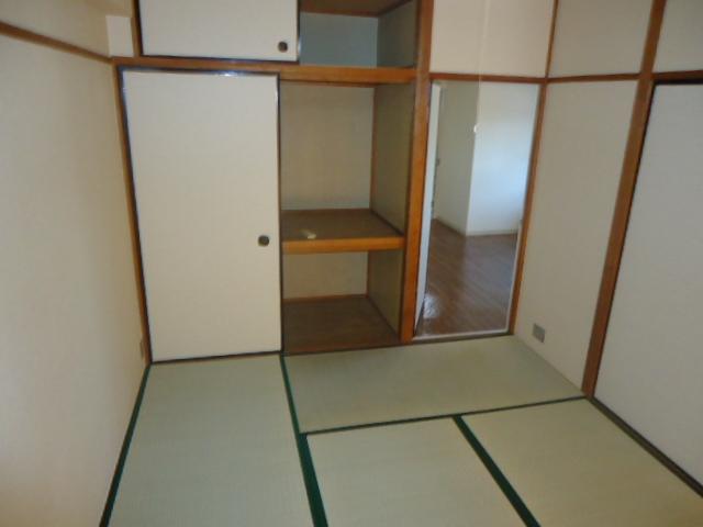 ハイネス本郷 103号室のベッドルーム