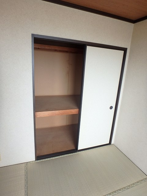 WJ・W-18 202号室の収納
