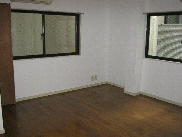 住吉パレス 102号室のリビング