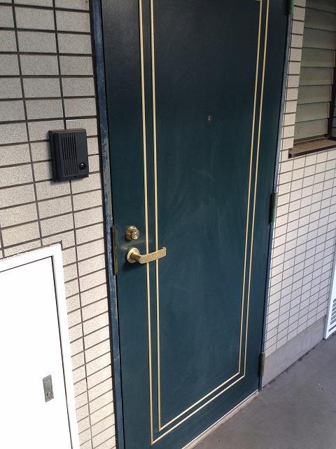 岸ハイツ 105号室の玄関