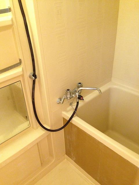 岸ハイツ 105号室の風呂