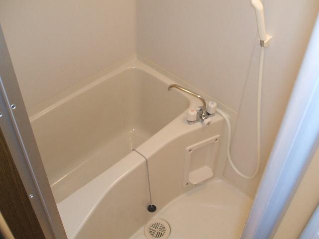 サニーハムレットC 402号室の風呂