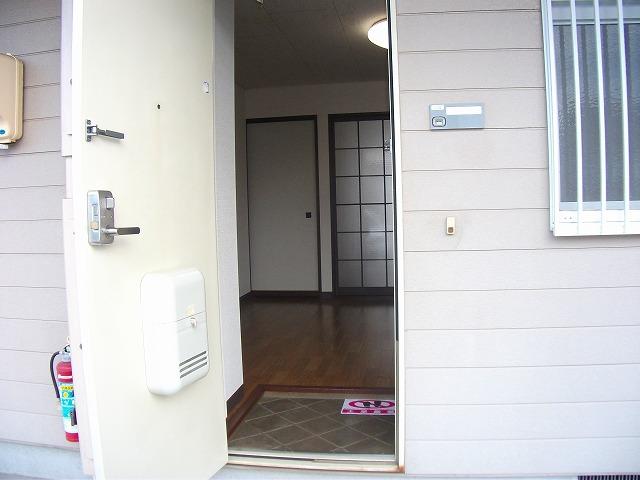 アビタシオンMIWA 101号室の玄関