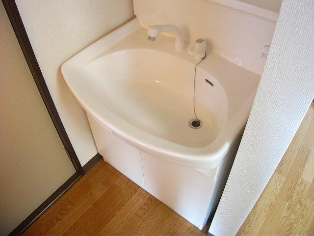 アビタシオンMIWA 101号室の洗面所
