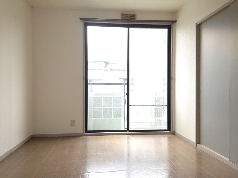ウィンディア飯田 102号室のベッドルーム