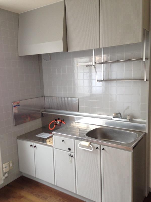 ウィンディア飯田 102号室のキッチン
