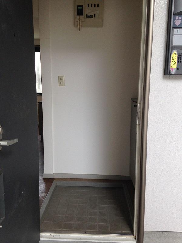 ウィンディア飯田 102号室の玄関