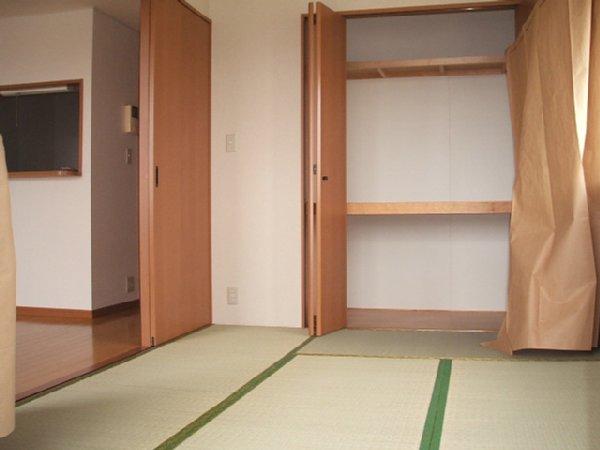 フォンテアベニュー 103号室の居室