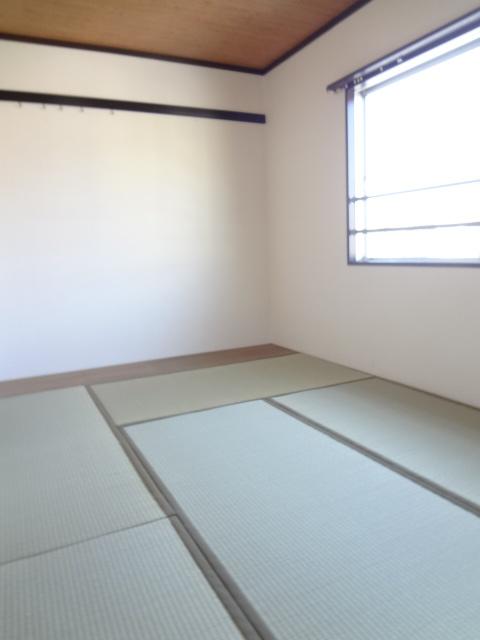 第三ちほコーポ 201号室のリビング