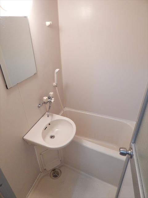 オリーブマンション 203号室の風呂