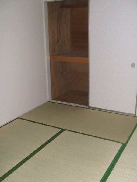 ロイヤルコーポ幸 B 202号室のその他