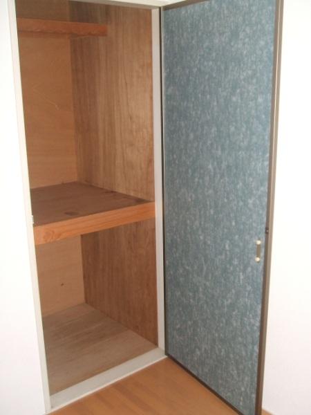 ロイヤルコーポ幸 B 202号室の収納