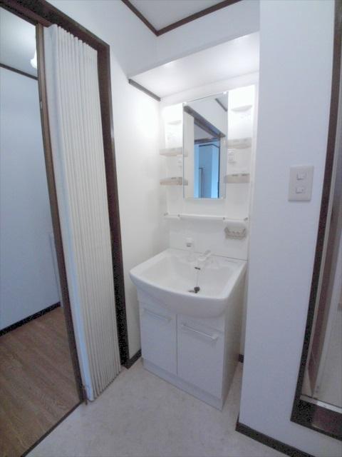 第二メゾン嶋田 205号室の洗面所
