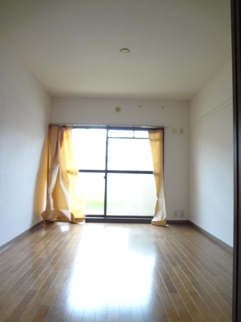 サンライズマンション大宮 406号室の居室