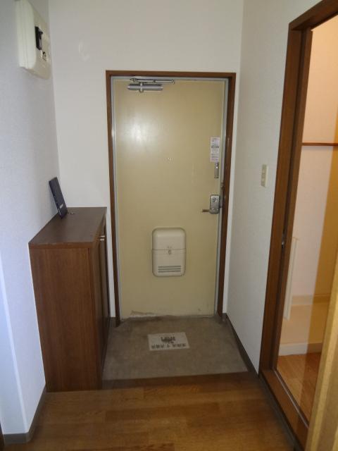 サンライズマンション大宮 406号室の玄関