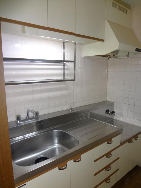 サンライズマンション大宮 406号室のキッチン