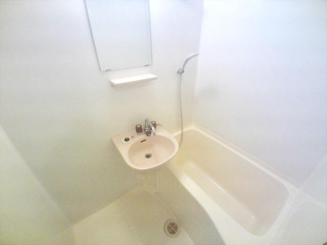 第2トミハイツ 2-B号室の風呂