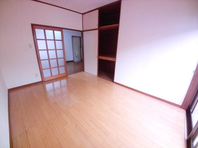 第2トミハイツ 2-B号室の居室