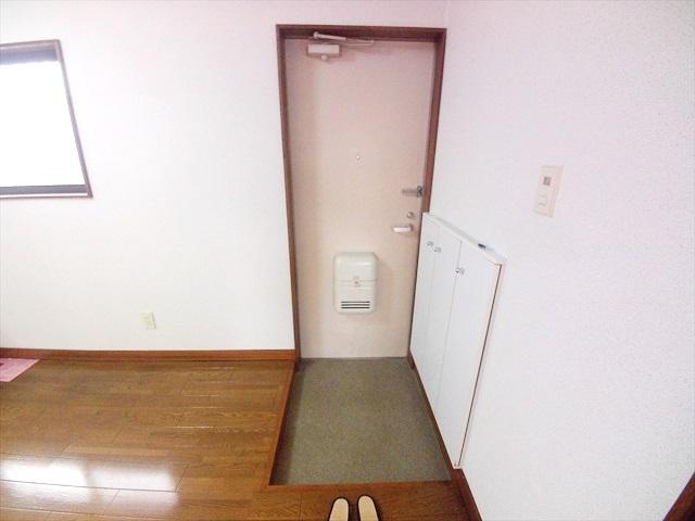 第2トミハイツ 2-B号室の玄関