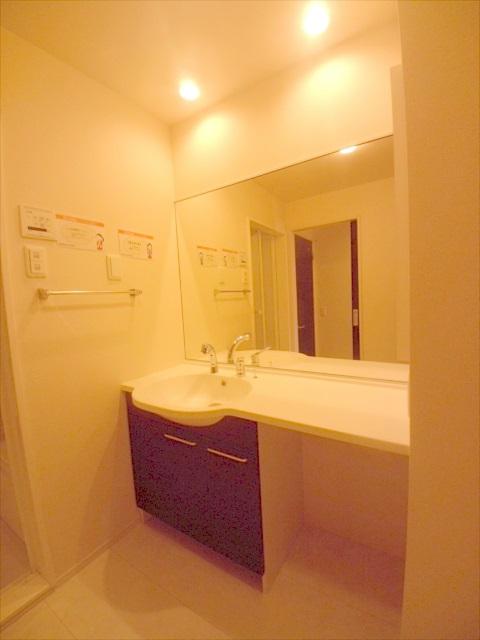司 B 202号室の洗面所