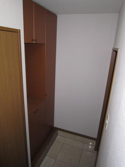 花みずき 205号室の玄関