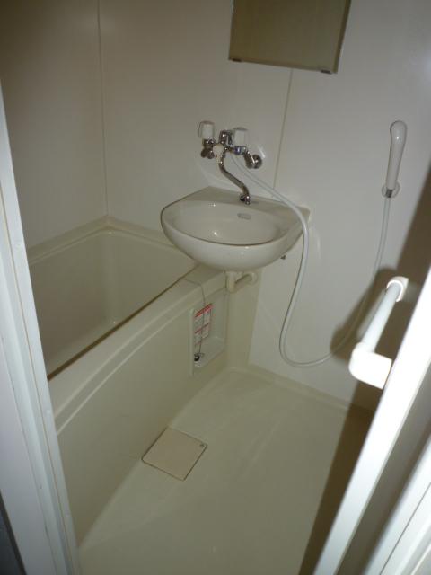 パレス岡出山 106号室の風呂