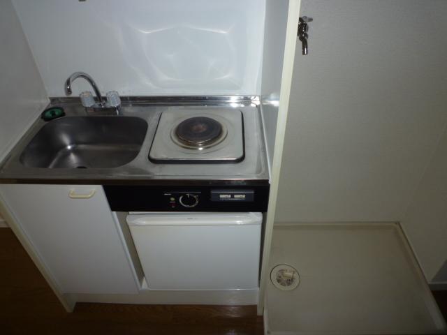 パレス岡出山 106号室のキッチン