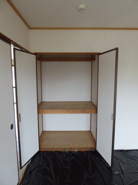 レインボーホーム 202号室の収納
