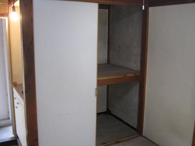 第3かしわ荘 11号室の収納