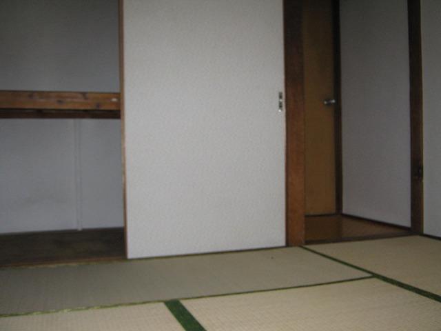 和泉荘 6号室の居室